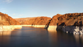 By Kumar Appaiah - Flickr: Lake Mead, CC BY-SA 2.0,